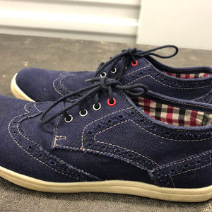 Ben Sherman Men's Navy Blue Canvas Sneakers SZ.8.5